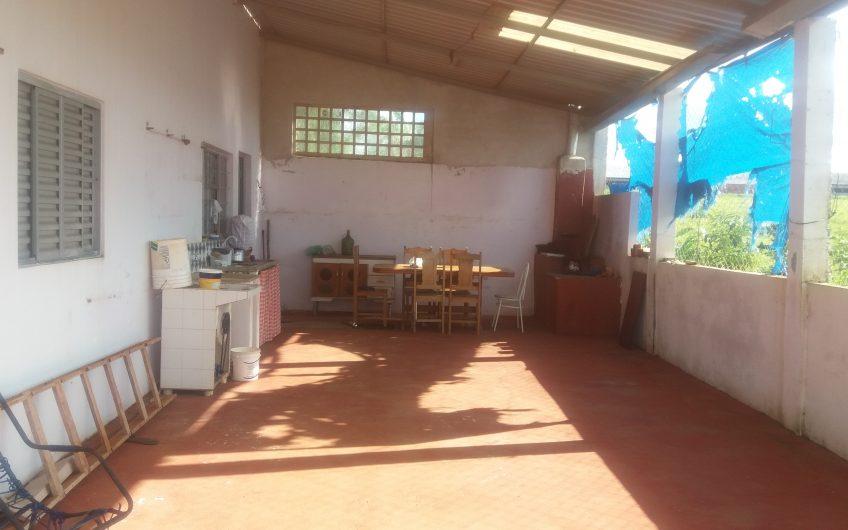 Chácara com 1.000m² casa com 2 quartos, 2 cozinhas, poço, pomar. 10 km de Cerquilho -Bairro mato Seco